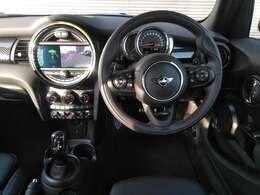 パドルシフトも装備され、マニュアル感覚での運転も楽しめます。