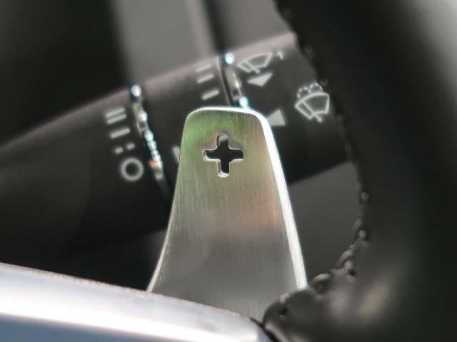 ◆マグネシウムパドルシフト『クイックなシフト操作が可能!レスポンスが高く、運転者様のギア変則にしっかりとついてきてくれます!F-TYPEと一体となれる装備です。』