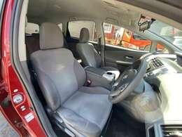 運転席・助手席です。シート・内装もとても綺麗な状態です。納車前にはさらにしっかり美装をしてからの納車となります♪お問い合わせは011-299-5556又はsstyle88@gmail.comまで