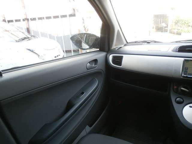 助手席シートも綺麗な状態です。☆お気軽にお問い合わせください☆ フリーダイヤルTEL:0078-6002-002052