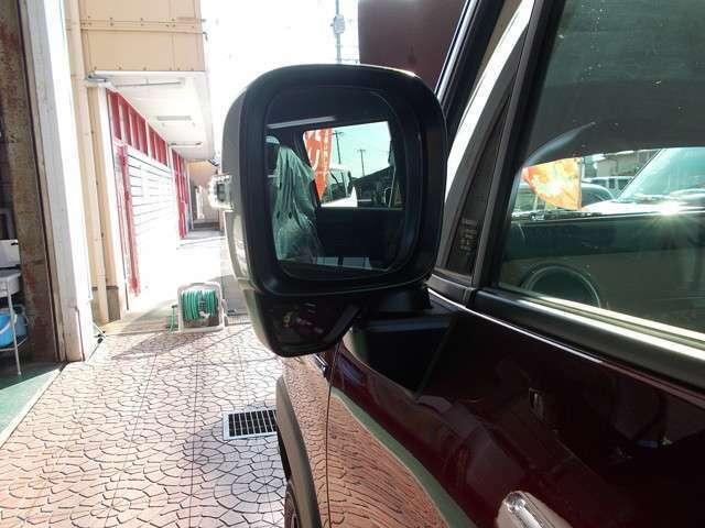 運転席からの死角を減らす『サイドアンダーミラー』♪