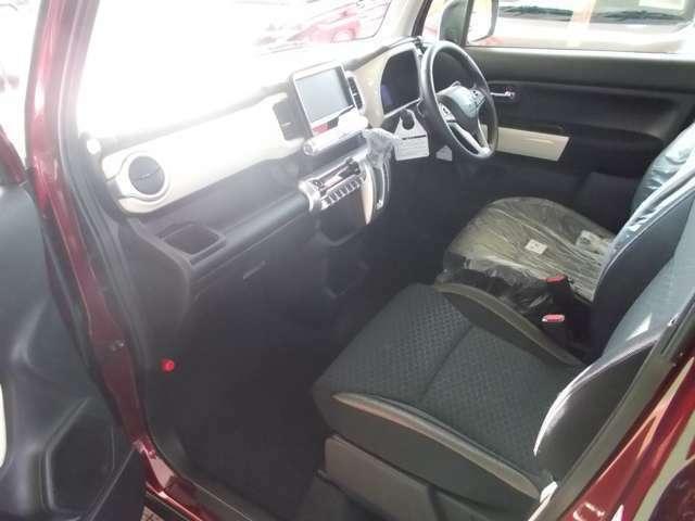 運転席+助手席にはなんとシートヒーター付♪撥水加工シート♪MZグレードのみ♪