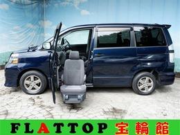 トヨタ ヴォクシー 2.0 Z 4WD 助手席電動リフトアップシート/サンルーフ