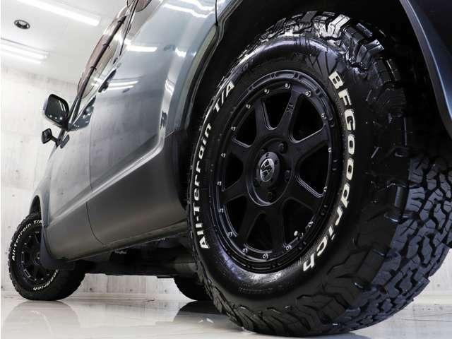 新品アルミにBFグッドリッチオールテレーンホワイトレタータイヤを装着しアクティブな雰囲気に仕上がりました。