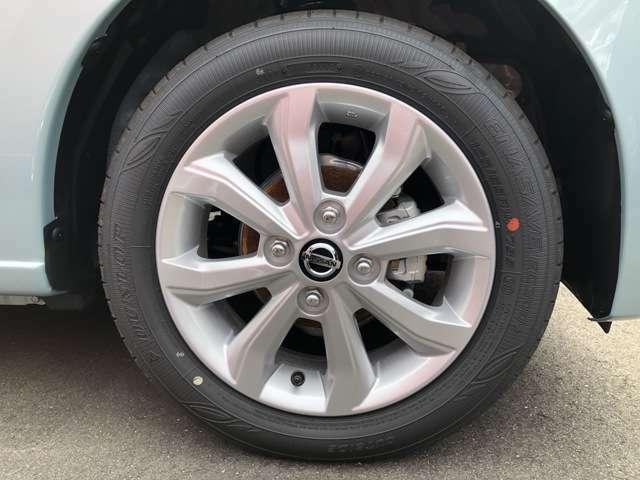 タイヤは14インチ!