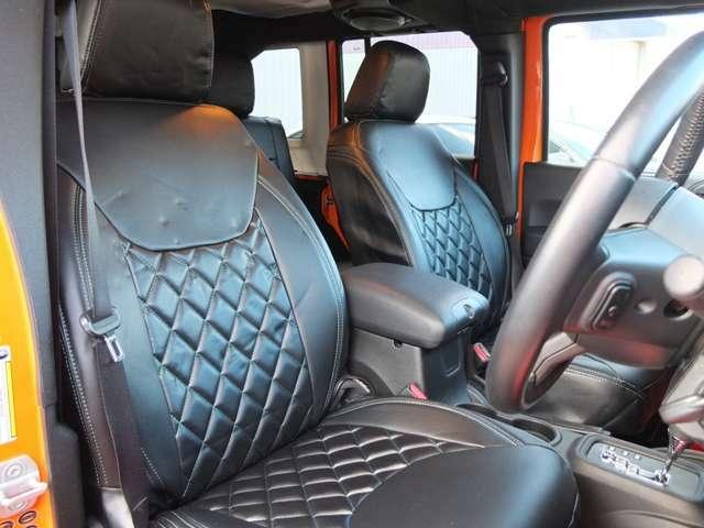 特別オーダーでアンリミテッド専用、新品ブラックレザー調シートカバーを装着!!