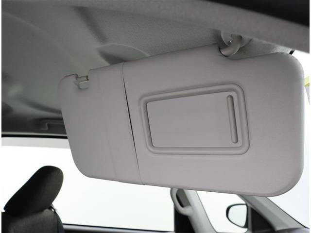 運転席と助手席のサンバイザーになります