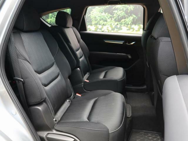 後部座席も気になるよなシートの大きなへたり等も御座いません。