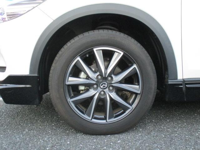 ■純正19インチアルミホイールです。タイヤサイズは225/55/R19となります。
