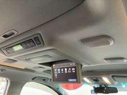 天井には、【18スピーカー5.1ch対応トヨタプレミアムサウンドシステム】も装備されております☆お子様など、遠方のドライブでも退屈せず楽しくお過ごしいただけます。