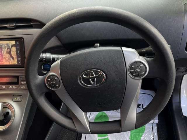 オーディオスイッチ付きですので運転中でも安心して操作ができ、快適なドライブが楽しめます♪