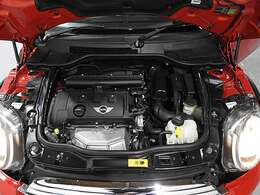 BMW製1.6L直列4気筒自然吸気エンジン。122PS/160Nm(カタログ値)