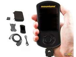 Mountune製パワーアップデートと走行中その状態が確認できるモニター/ハンドセット。その結果ハイパワーとなります。