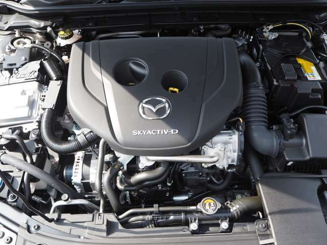燃費も走りも環境性能も大幅に向上させたマツダ自慢のディーゼルエンジンです。