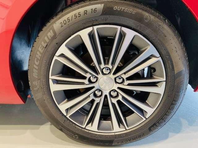 タイヤ・ホイールです。ガリ傷ございません。ご安心ください。