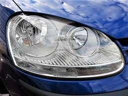くもりがちなヘッドライトもご覧の通りしっかりとクリアが残り、きれいな状態です♪ヘッドライトがきれいだと車のイメージもグッと良くなりますね♪