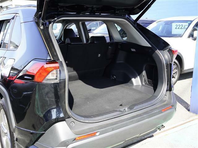 こちらのお車には、SDナビ地デジ・バックカメラ・CD・DVDビデオ・ブルートゥース・モデリスタエアロ・ETC・シートヒーター・ステアヒーター・プリクラ・LTA・BSM・Cセンサーが装備!