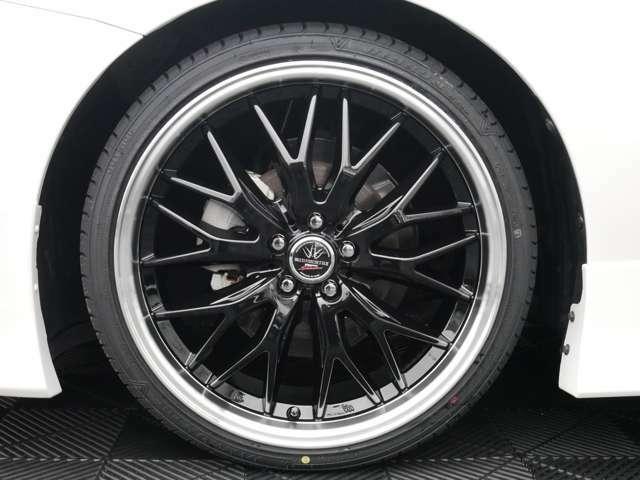 新品「MF」19インチタイヤホイール☆カラーリングは、スポークがブラック、リムがポリッシュになります☆リム有りのデザインで足元が引き締まってます☆