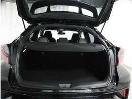 《トヨタ認定中古車》トヨタならではの『まるごとクリーニング』『車両検査証明書』『ロングラン保証』をセットにしたトヨタ販売店の中古車ブランドです。