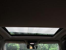 ☆開放感溢れるダブルサンルーフ☆車内も明るく、快適ですね♪