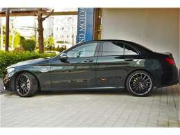 お車の詳細やオプション等の詳細が気になる方は是非、弊社の公式ホームページをご覧ください。http://www.friendmotors.com