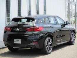 徳島BMWでは20~30台の認定中古車を展示。お気に入りの1台を見つけてください。