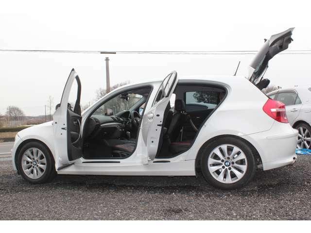 ドイツ車のボディ剛性の高さを感じられる、しっかりした乗り心地です。