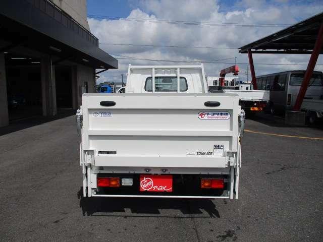 積載750kg 車両総重量2200kg