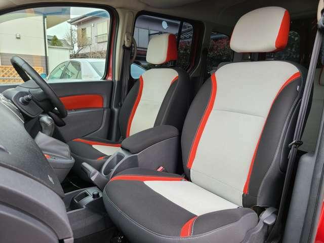 助手席も座面のヘタリやシートの切れ、目立つシミなく程度良好です!