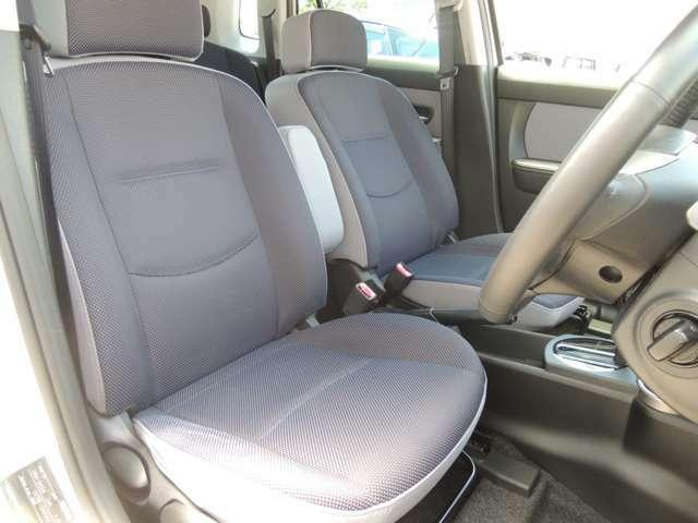 ★運転席シートです!! 程度良好です(^^)/ 目立つような「擦れ・キズ・破れ・ほつれ・凹み」などもございません!!