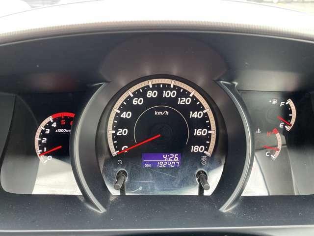 走行距離は約196000kmですが、タイミングベルトも交換済で安心です☆