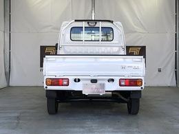 駆動方式は4WDです。MT車となっております。