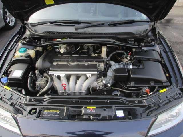 タイミングベルト交換済み(H25年、走行:3.7万km時、記録簿有)♪記録簿9枚(R2.H30.28.25~20年)♪エンジンは吹け上がりも良く変速もスムーズです♪アイドリング時の異音等もございません♪