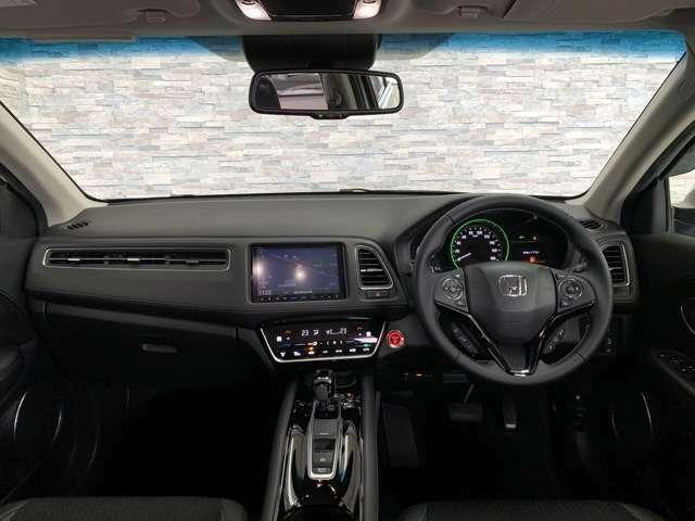 視界の広さや室内の広さ、とても運転がしやすいですよ。