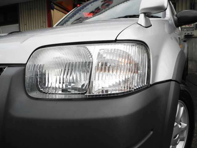 ライトレンズも曇り等無く、驚きの美しさ!LEDライトも装備しております。
