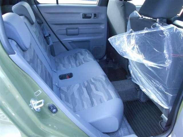 シンプルながらホールド性の良いシートです。長時間の運転にも疲れが低減できますね。