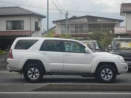 栃木県仕入れ車のため、錆もなく綺麗です。