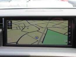 後期モデルより採用された10.3インチナビモニター♪ 大画面のモニターでドライブをサポートしてくれます♪