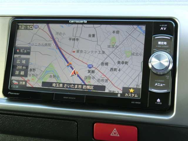 社外メモリーナビゲーション(カロッツェリア/AVIC-RW502)が装備されています。DVDビデオ+ワンセグTVの視聴が可能です。Bluetooth対応です。