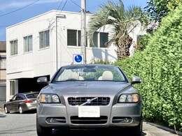 希少オプションカラーのフリントグレーメタリックを纏った良質な2008年式の車両です。