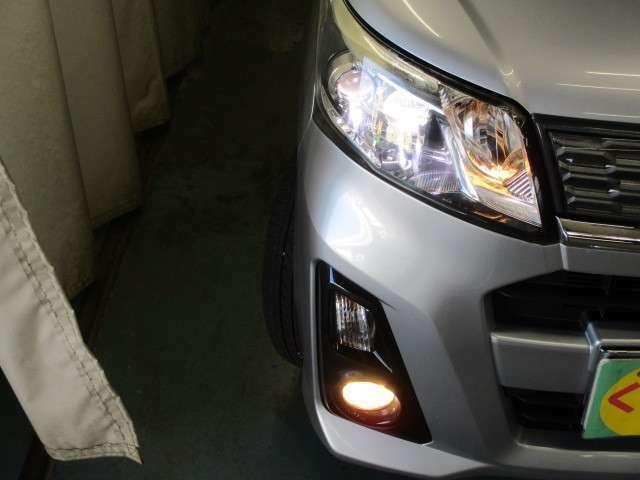 LEDヘッドライトで明るく照らしてくれます!