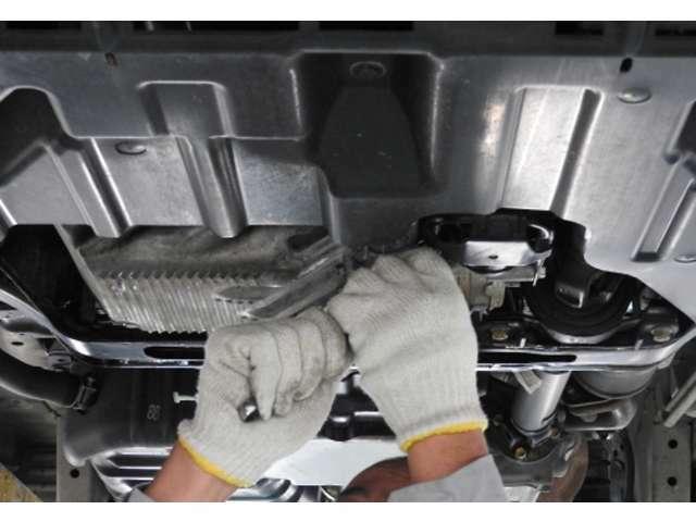 Bプラン画像:国家資格整備士が認証工場でしっかりと法定点検・整備を行います。安心のアフター保障もご納車から3か月もしくは5000kmになりますので是非ともおススメいたします。
