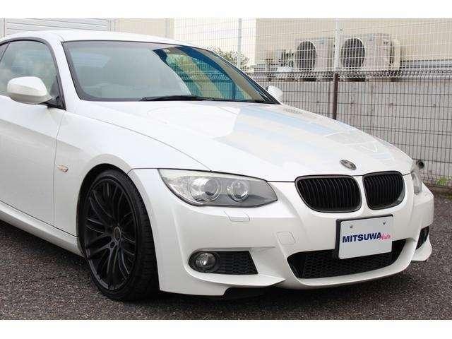 BMW伝統のキドニーグリルは、ブラックカーボンへ交換!