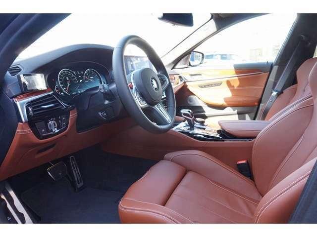 BMW Individualコレクションは、美を極めたオプション装備の数々の組み合わせにより、洗練された素材と卓越した匠の手技が惜しげもなく注ぎ込まれたオーダーメードとなっております。