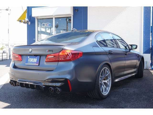 (OP)スペシャルカラー(フローズン・アークティツク・グレー) (OP)BMW Individualフルレザーメリノ(タルトゥーフォ)