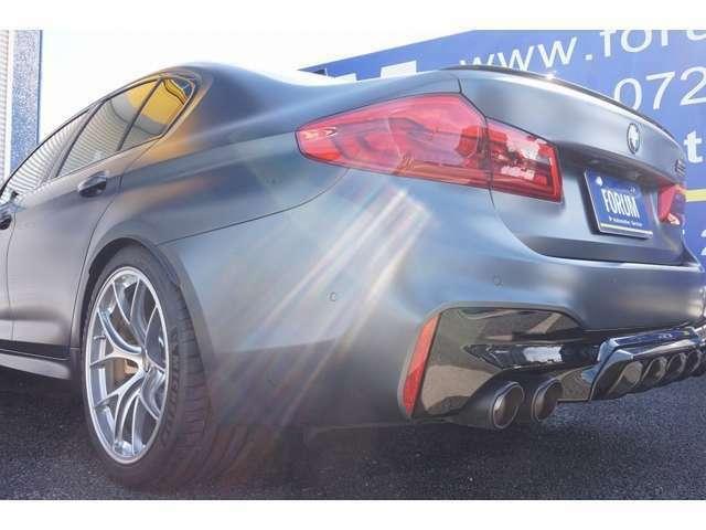 (OP)BMW Individualインテリアトリム(プラム・ブラウン・トリム) (OP)コンフォートパッケージ (OP)Mカーボンセラミックブレーキシステム