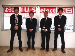 お手伝い致します当店営業スタッフ!左から順に 本多 冨田 大月 村上です!何でもお話をお聞かせください