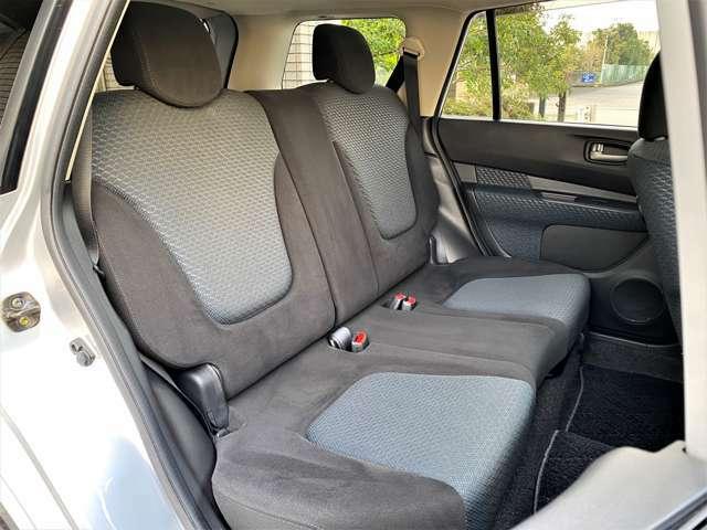■後席リクライニングk機能付き こちらも汚れ使用感無く大変きれいにお使いです♪