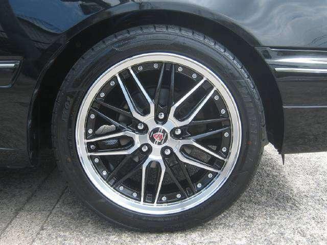 新品シュタイナーLMX17インチアルミホイールを取付けました。タイヤも新品です。