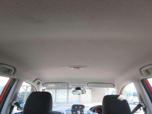 ☆禁煙車のお車ですから天井(室内天張り)もこんなにクリーン!☆隅々までご覧下さい、自信を持ってお薦めの出来る高品質車で御座います。